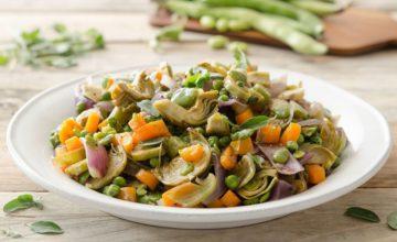 Padellata di piselli e fave con verdure