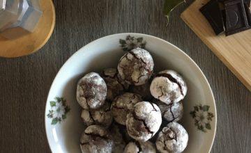 Biscotti craquelè o chocolate crinckle cookies
