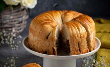 Brioche gomitolo di lana (wool roll bread)