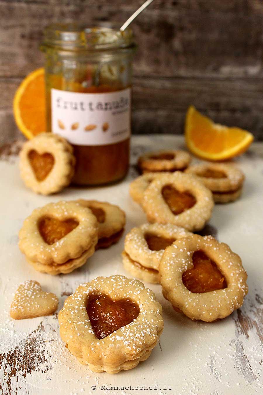 Biscotti con marmellata di arance