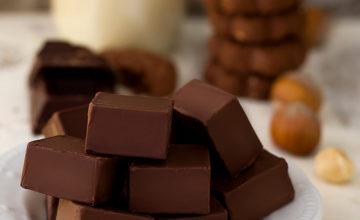 Cioccolatini gianduia e granella di biscotti
