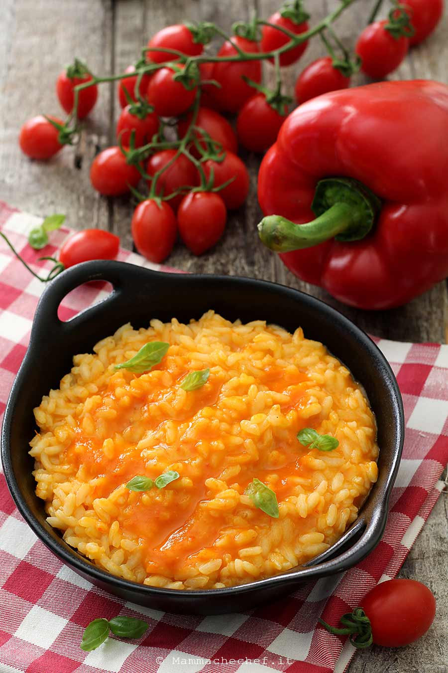 Risotto con crema di pomodori e peperoni