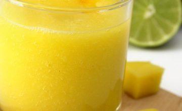 Frullato di mango, banana e lime